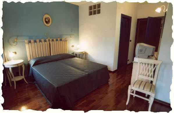 bed & breakfast il sole delle rive: homestead with renting rooms, Hause ideen